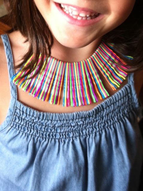 diy pequeña fashionista collar de horquillas