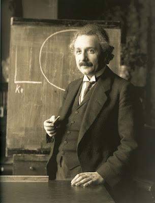 Albert Einstein foi refugiado de guerra. Muitos refugiados ajudaram o país que lhe deu refúgio a crescer