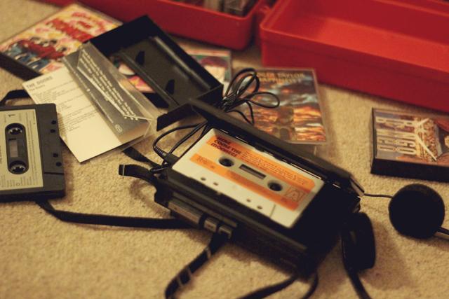 Sony Walkman WM-25, Cassettes Monkees, Ringo Starr, Roger Taylor, The Doors