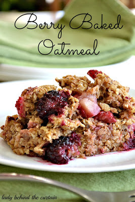 take+a+look+tuesday+Lady-Behind-The-Curtain-Berry-Baked-Oatmeal-1.jpg