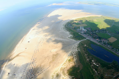 St. Peter-Ording: Fotos eines Tandem-Fallschirmabsprunges über dem ordinger Strand 44