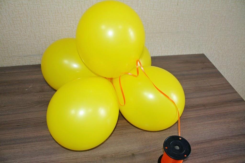 изготовление цветов из воздушных шаров