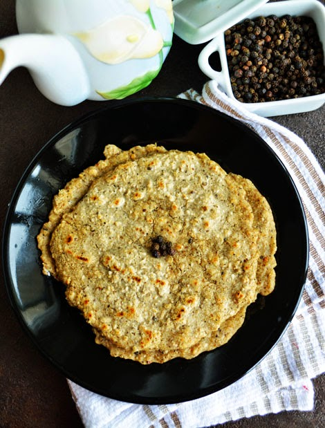 Oats Milagu Adai / Oats Pepper Pancake