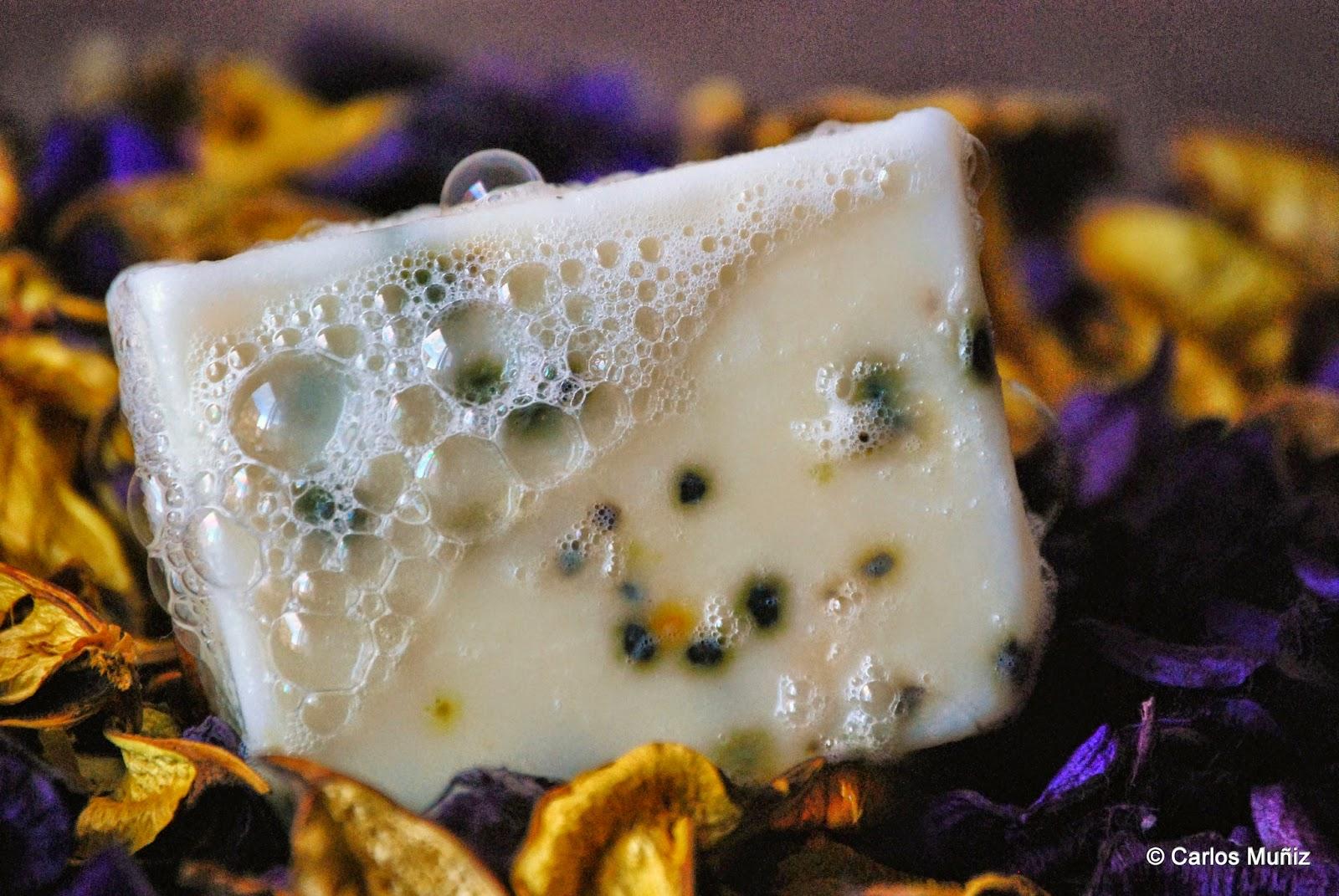 Jabón artesano de polen de abeja monofloral de castaño
