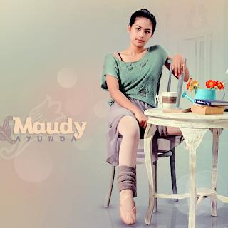 Maudy Ayunda Lirik Lagu Perahu Kertas MTV
