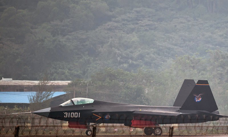 A Chinese J-31 stealth fighter