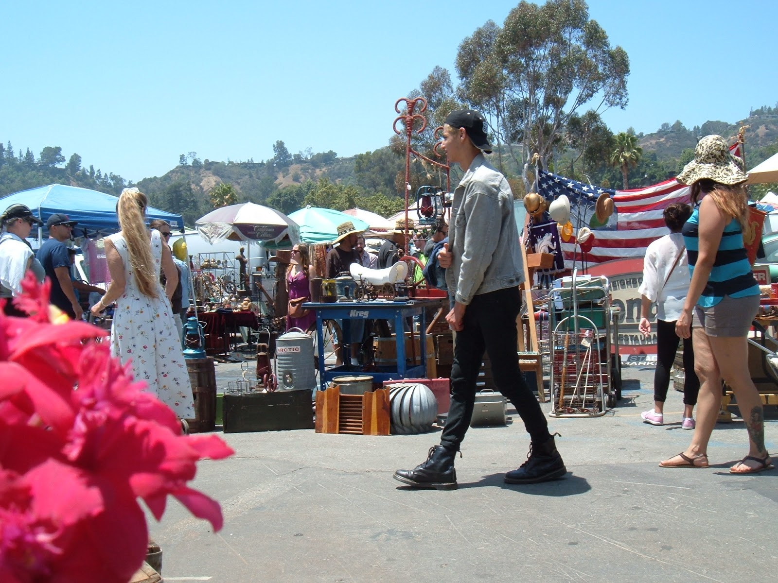 spanky luvs vintage a great day at the rose bowl pasadena swap meet and i 39 m not into haggling. Black Bedroom Furniture Sets. Home Design Ideas