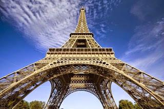 La Torre Eiffel- Estructura Metálica Triangulada