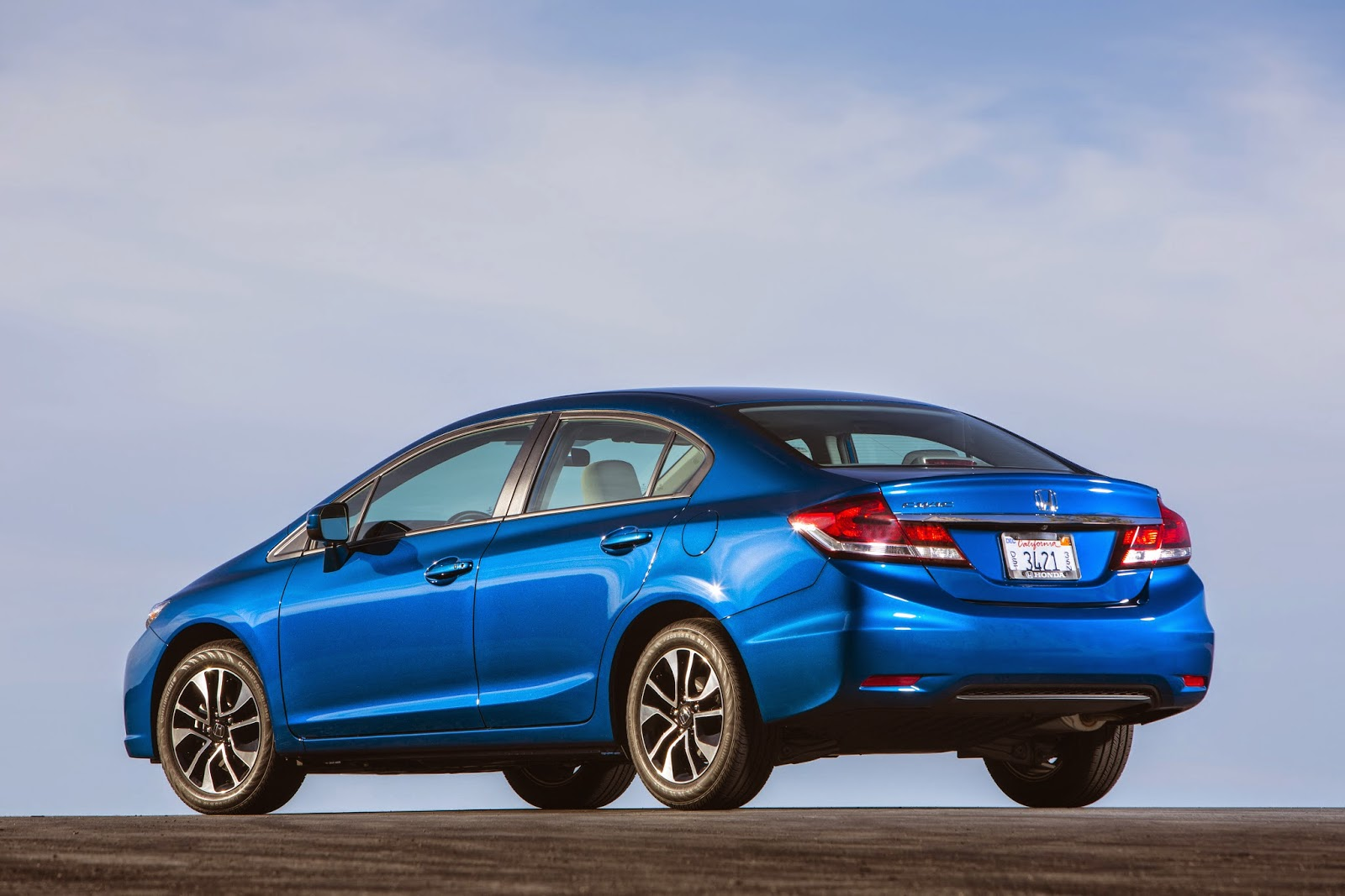 Rear 3/4 view of 2014 Honda Civic EX-L