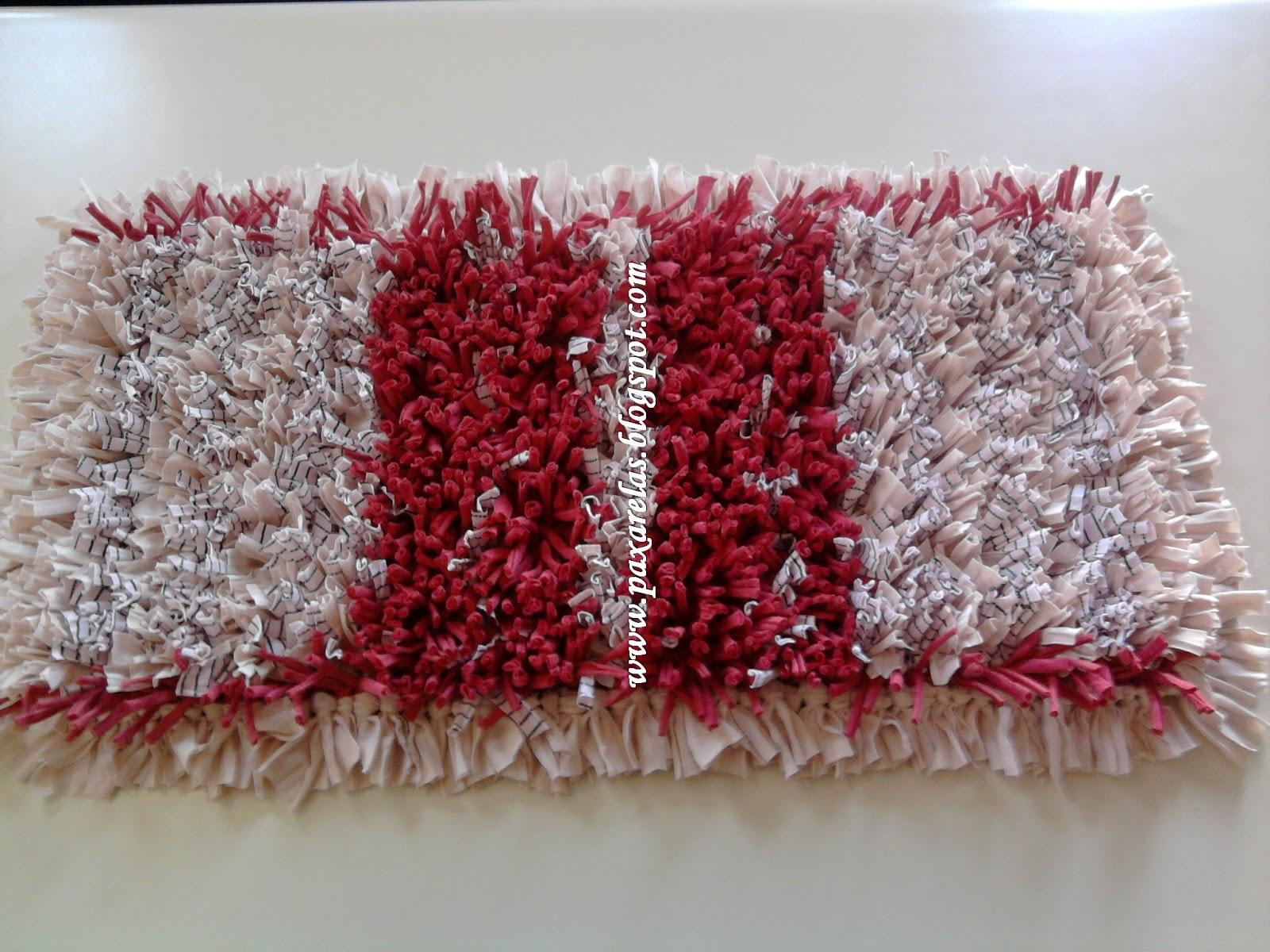 Alfombra engamada en rosas for Tejidos de alfombras