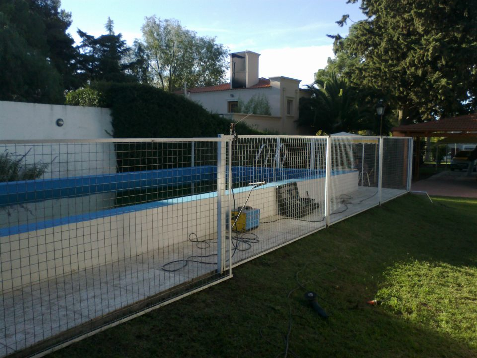 Herreria y estructuras tito barandas seguridad piscinas y for Barandas de seguridad