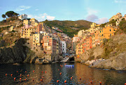 Cinque Terre is a group of five seaside villages on the Italian Riviera: . (cinque terre )