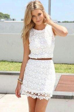 vestido branco de renda para o ano novo