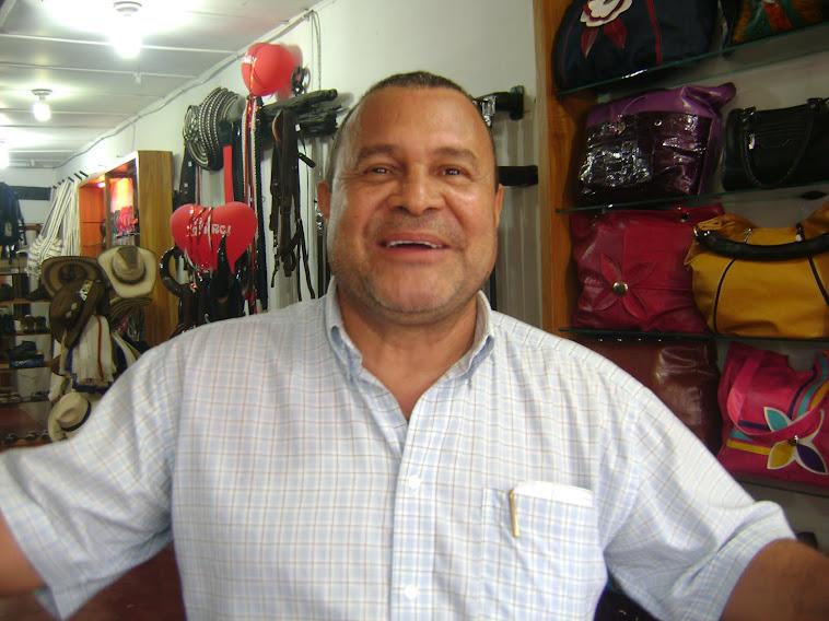 Dr. RAFAEL BARRERA