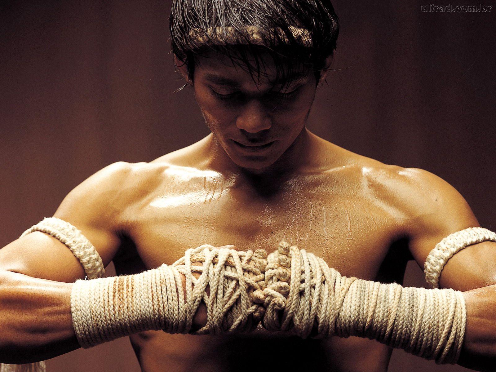 http://4.bp.blogspot.com/-qN7lIR4_9y8/To57vEsQNZI/AAAAAAAAAy4/cUvnLRrSbfw/s1600/113608_Papel-de-Parede-Ong-Bak-Guerreiro-Sagrado-Ong-Bak-Muay-Thai-Warrior--113608_1600x1200.jpg