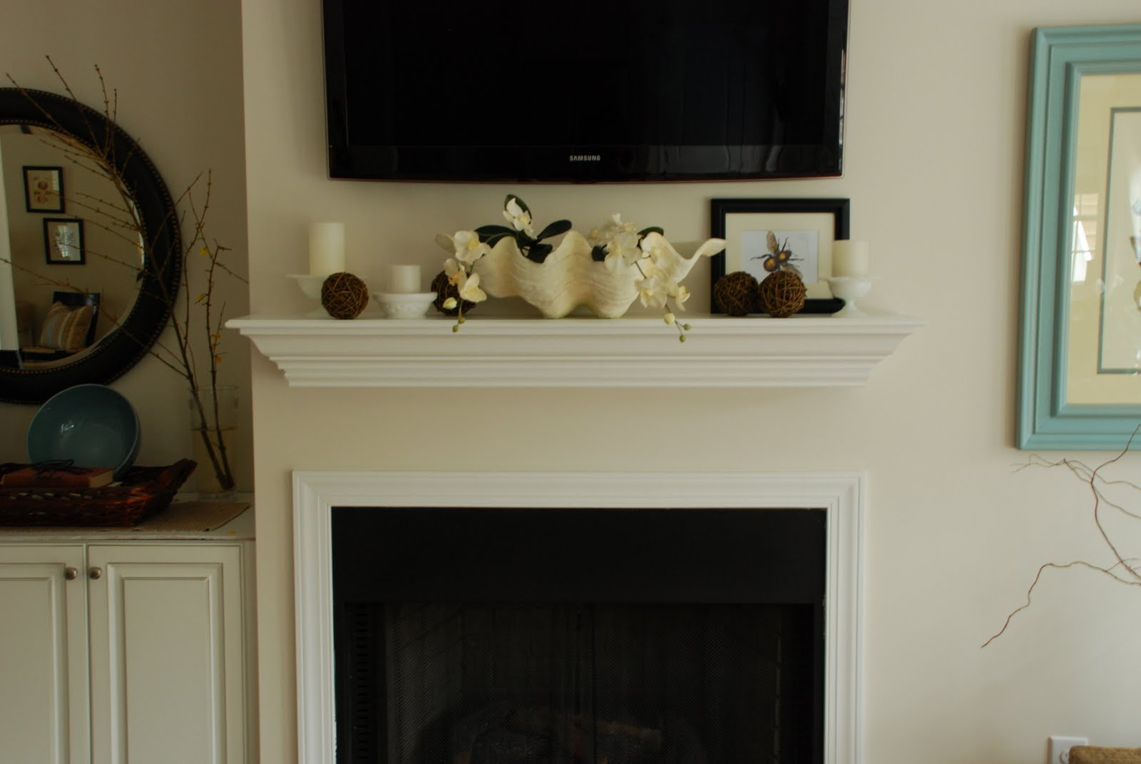 Christmas mantel decorations under tv - Decorating A Mantel With A Tv