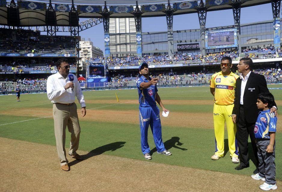 Rohit-Sharma-Mahendra-Singh-Dhoni-MI-vs-CSK-IPL-2013