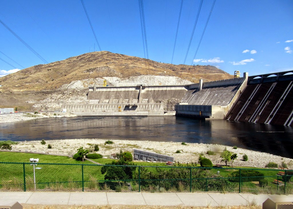 July 2014 priceless rv adventures grand coulee dam is one of the largest concrete structures in the world it is as high as the washington monument it is the countrys largest hydroelectric publicscrutiny Gallery