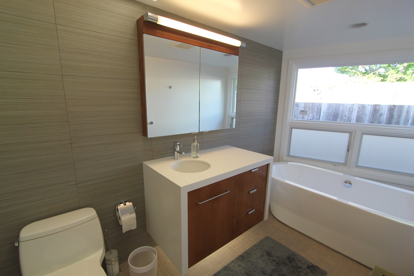 3 mid century bathrooms remodeled mid century modern remodel for Tub remodel