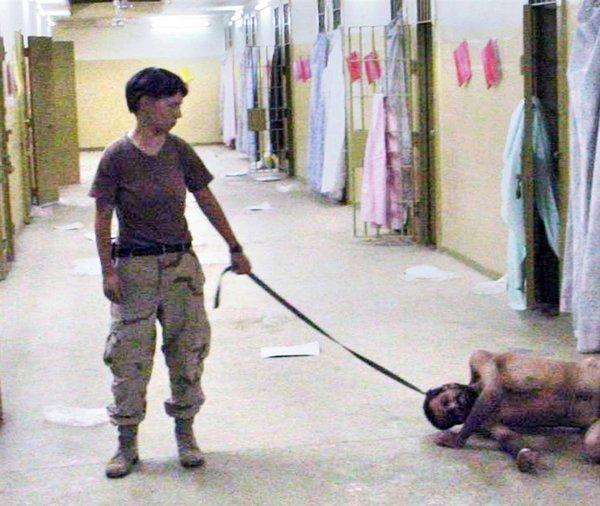 عجائب الدنيا وهل تعلم - هذه الصورة تظهر انتهاك لكل شيء تقريبا. وجاءت هذه الأعمال الوحشية التي يقوم بها الجيش الأمريكي جنبا إلى جنب مع الوكالات الحكومية الأمريكية