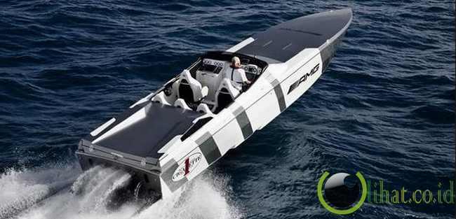 Cigarette perahu balap