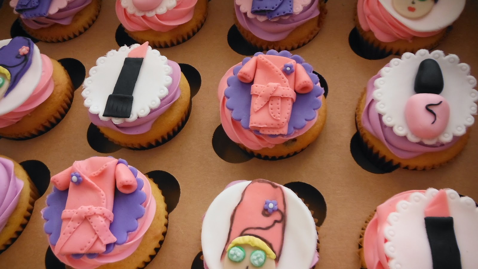 Babycakes Cupcakes for some Darling Divas N Dolls