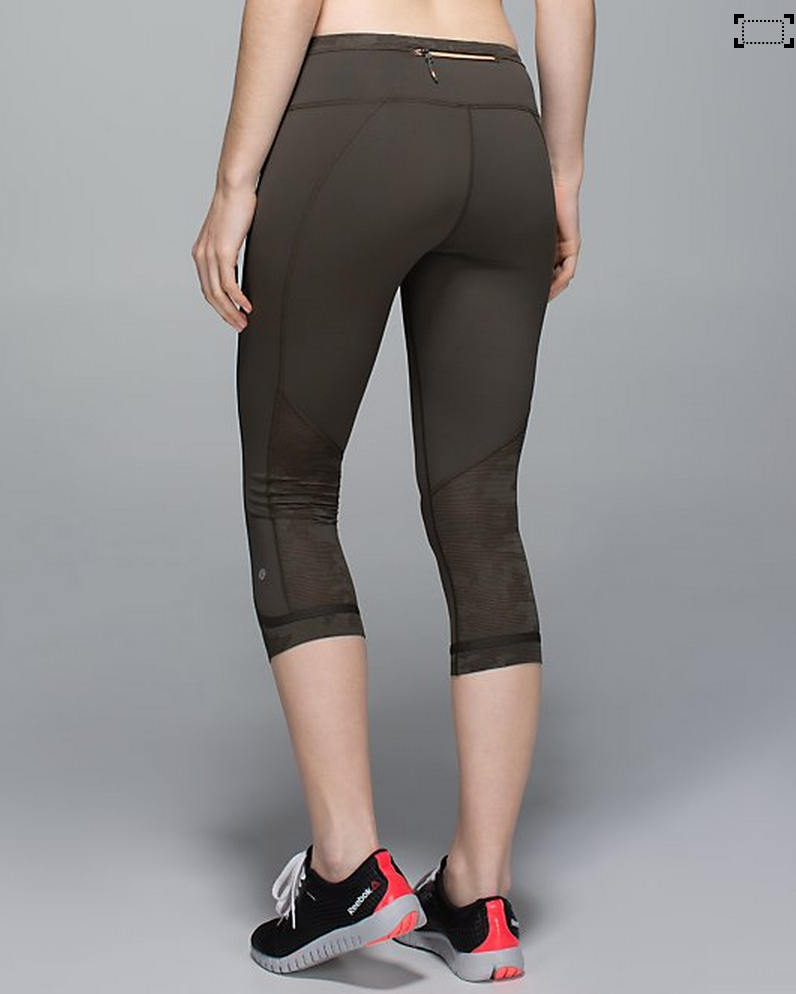 http://www.anrdoezrs.net/links/7680158/type/dlg/http://shop.lululemon.com/products/clothes-accessories/crops-run/Run-For-Days-Crop?cc=0001&skuId=3595901&catId=crops-run