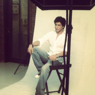 Shaharukh on the cover page of Filmfare + behind the scenes shots