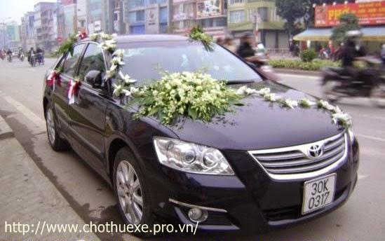 Cho thuê xe cưới giá rẻ Toyota Altis ở Hà Nội