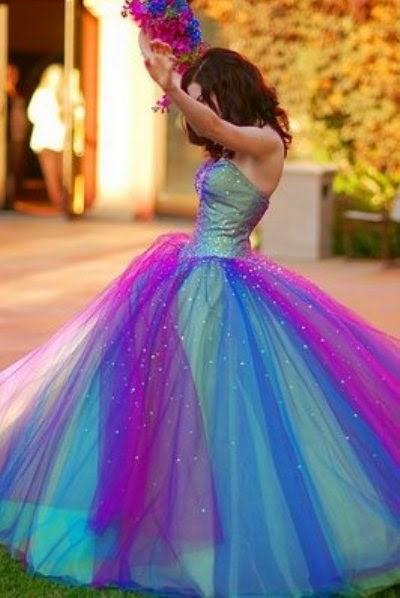 vestido longo esvoaçante colorido para festa de debutante