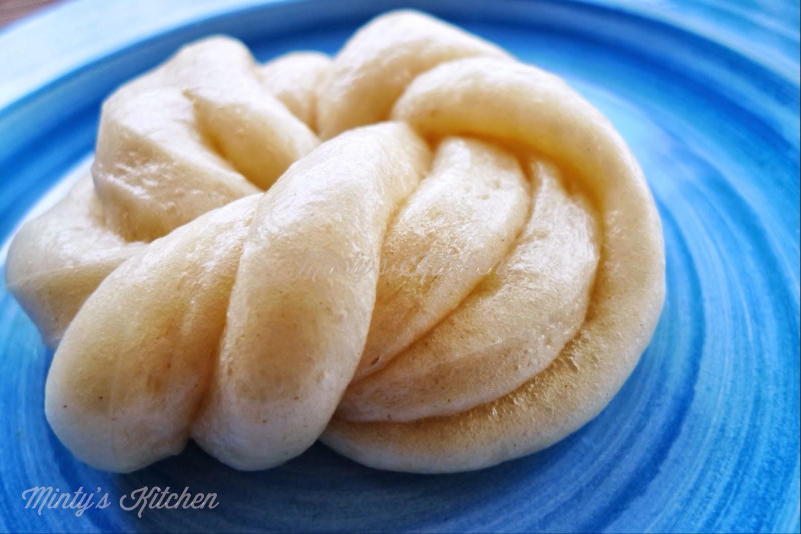 Minty's Kitchen: Fresh Milk Mantou (鮮奶饅頭 )