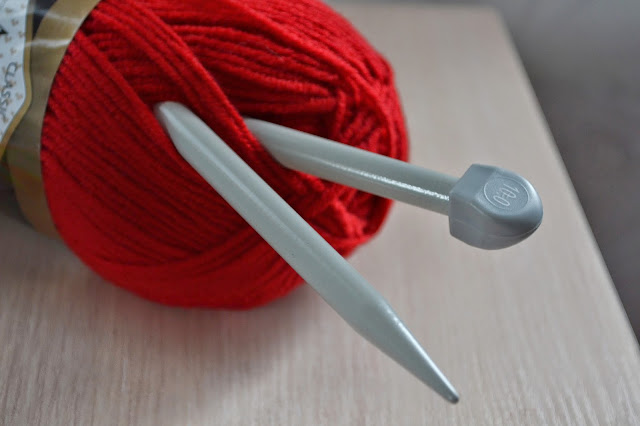 нитки для вязания, спицы 10