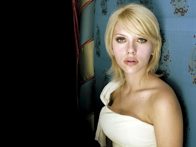 Scarlett Johansson Desktop sweet girl Wallpaper