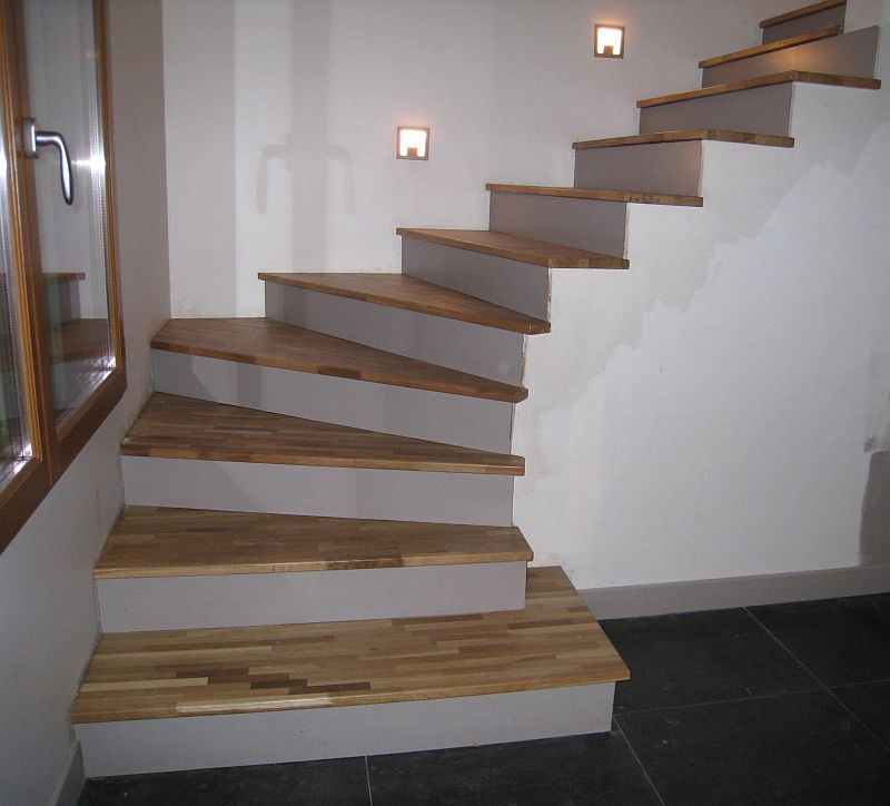 L 39 ile aux creations l 39 escalier de la maison for Kit de renovation escalier leroy merlin