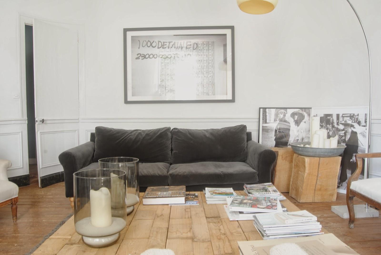 Mes caprices belges decoraci n interiorismo y for Decoracion salon con sofa gris