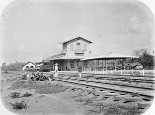 Stasiun kereta api  tertua di Indonesia...!!!