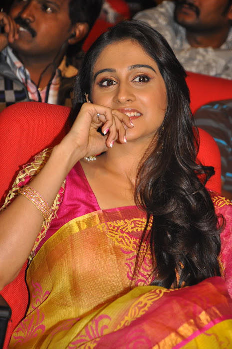 regina at sms movie audio launch, regina actress pics
