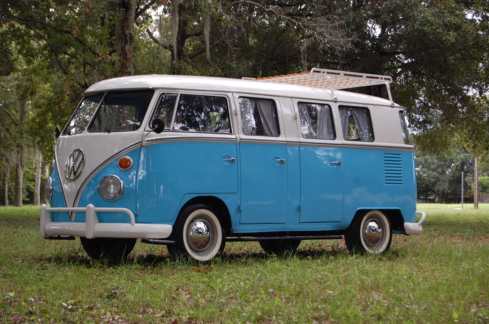 rare vw bus deluxe 13 window 6 door auto restorationice. Black Bedroom Furniture Sets. Home Design Ideas
