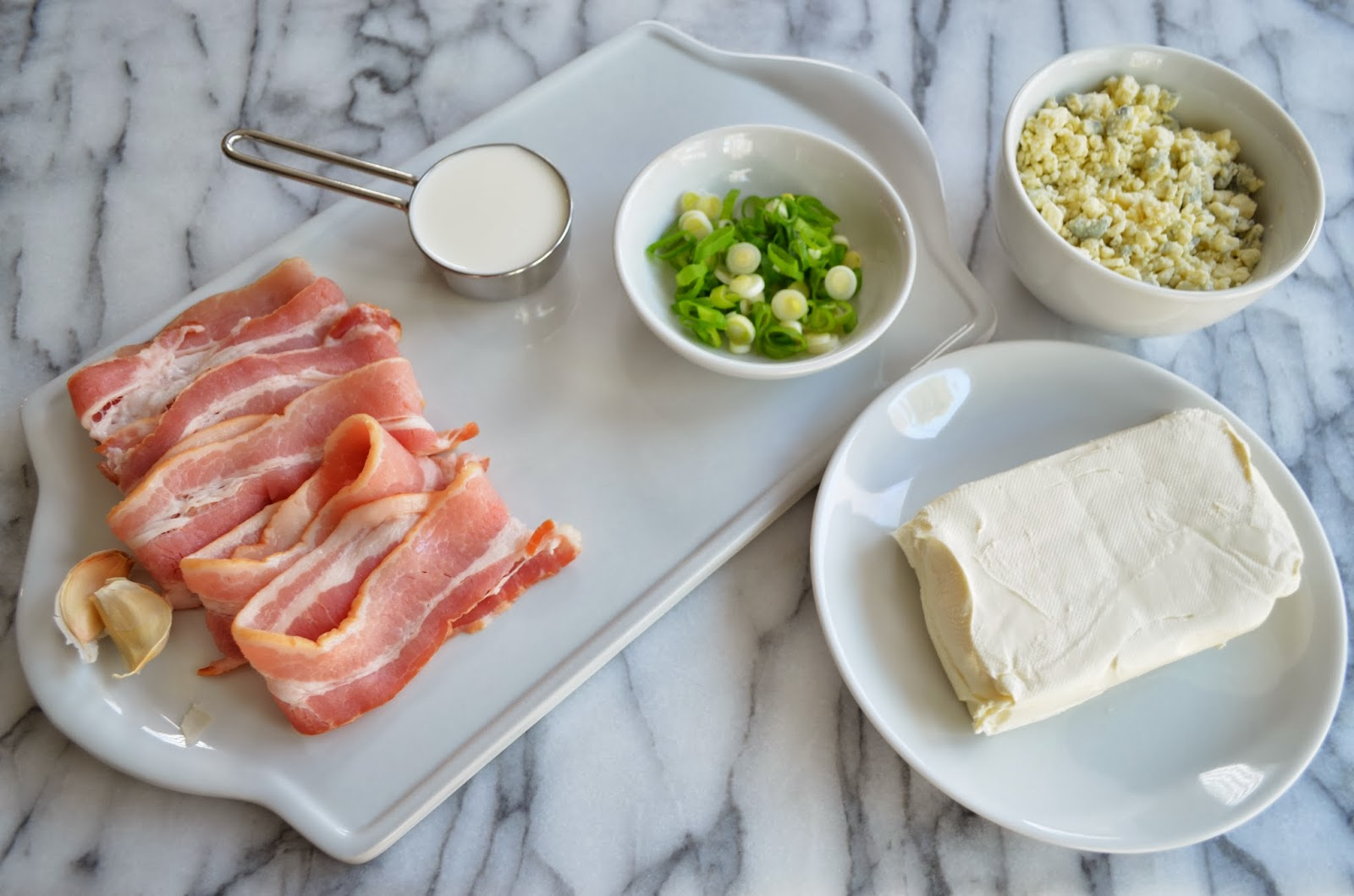 Warm blue cheese and bacon dip, ingredients.
