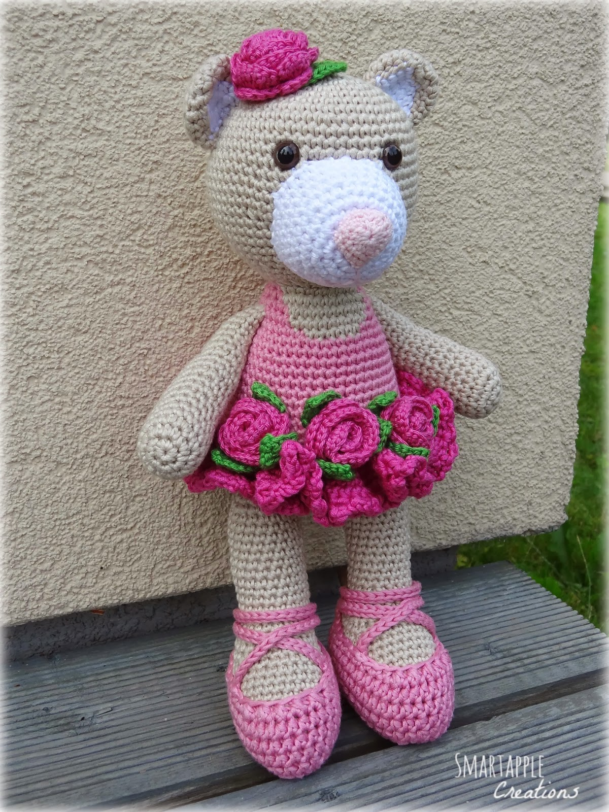 Crochet Ballerina Bear Free Pattern : Smartapple Creations - amigurumi and crochet: Bibi the ...
