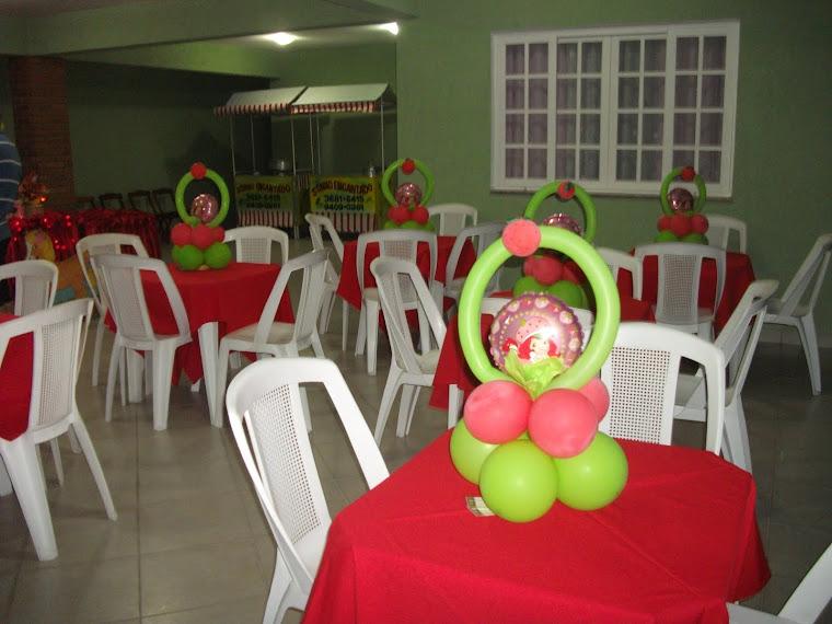 Decoração mesa convidados moranguinho baby