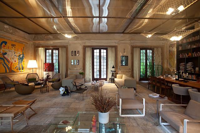 Sala De Estar Em Espanhol ~  tempo e agora em alta tetos e paredes em tijolo aparente resgatam