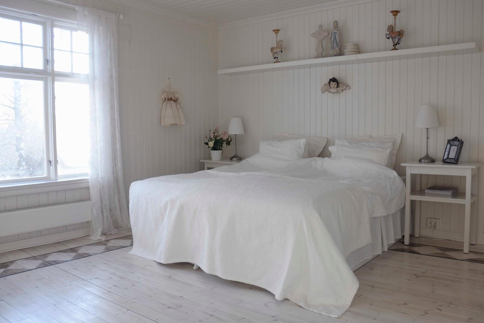 Soverom før og etter - fra hvitt og romantisk til røft og rustikt ...