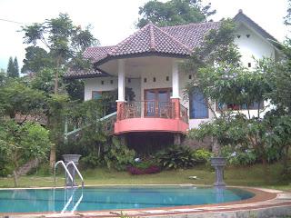 Villa Dikawasan Puncak Bogor - Real Estat - Kamar Disewakan untuk Liburan - Bogor - Jawa Barat