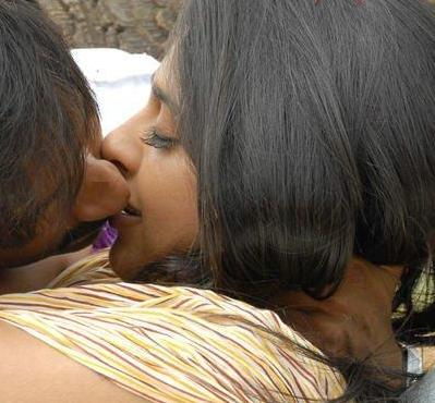 Anushka Stills Actress Hot S Lip Lock Kissing