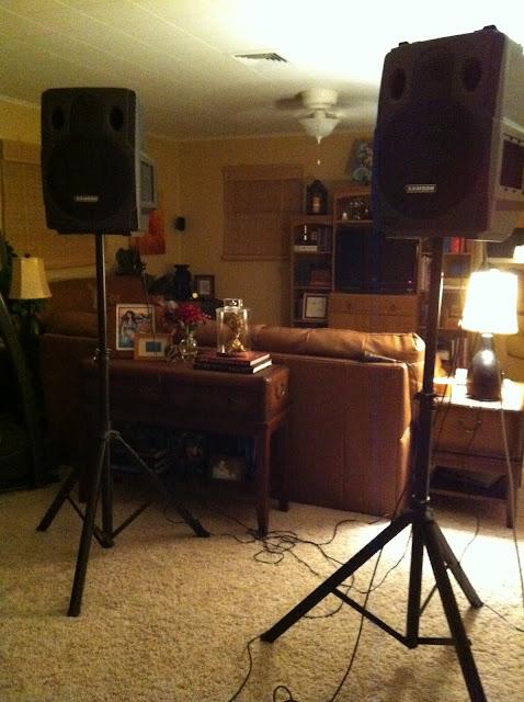 Living Room Karaoke Of Epbot 09 01 2011 10 01 2011