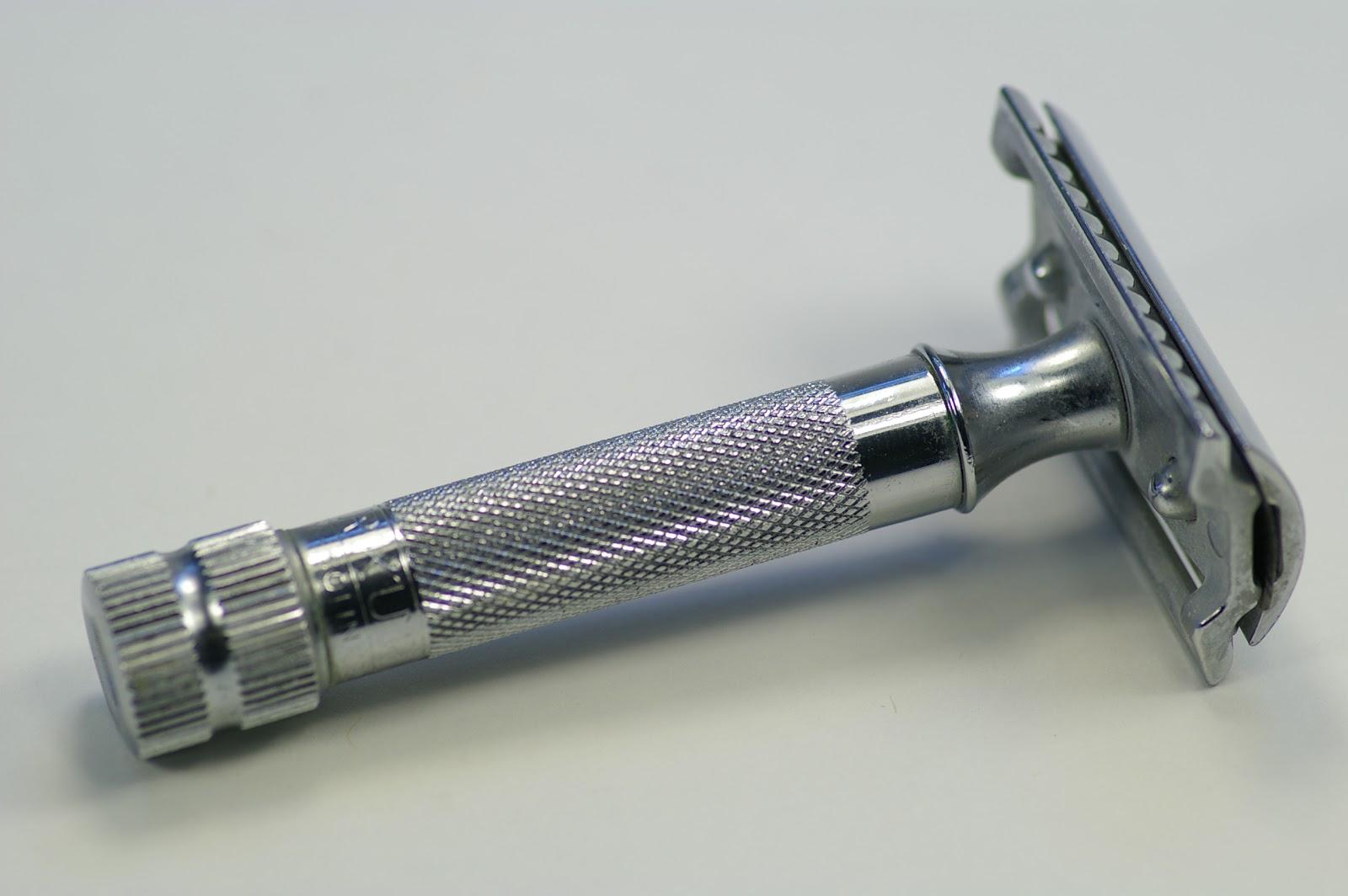 http://4.bp.blogspot.com/-qQs_bw5CmLY/TnPubwRIRyI/AAAAAAAAEjo/zhM7tR3aOjI/s1600/Cheap+safety+razor+1.jpg