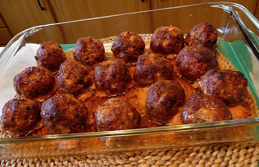 how to cook meatballs in a pan