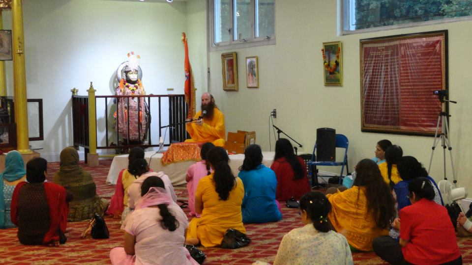 image Swamiji enjoying with beautiful bhabhi