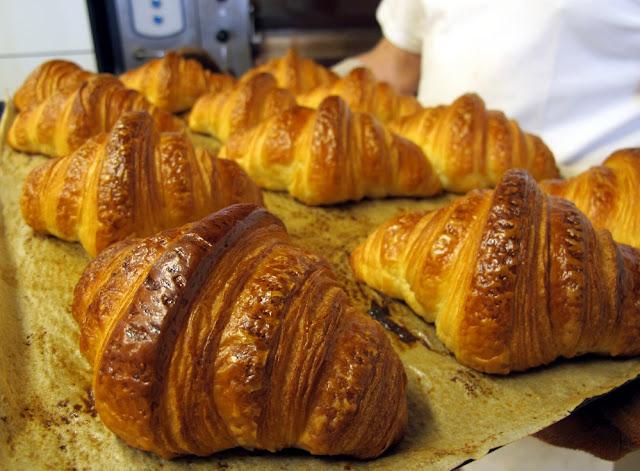 l'excellent croissant au beurre de Pains, Beurre et Chocolat